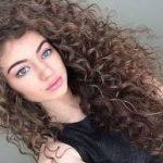 mantenimiento del cabello rizado