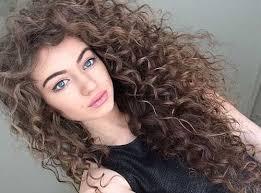 Cómo cuidar tu cabello rizado? Los mejores consejos y sugerencias